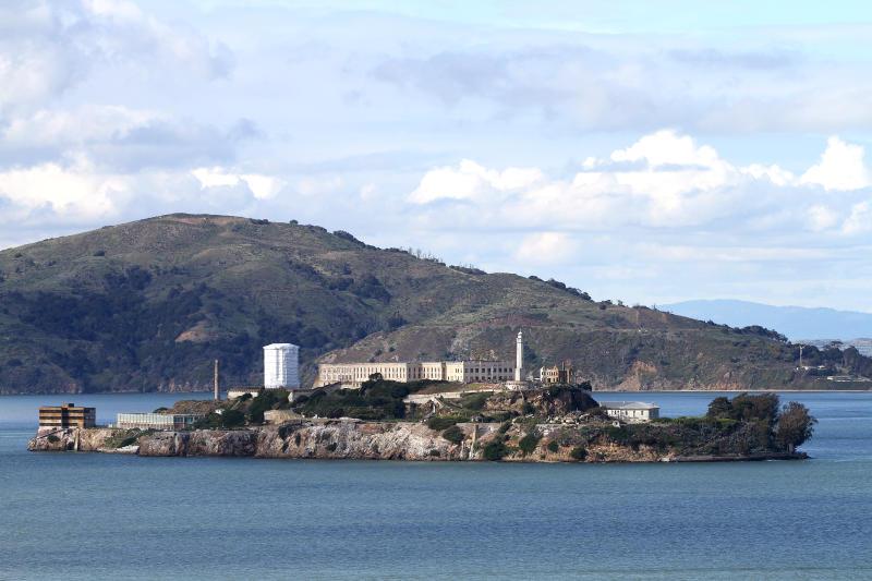 nha-tu-tren-dao-Alcatraz.jpg